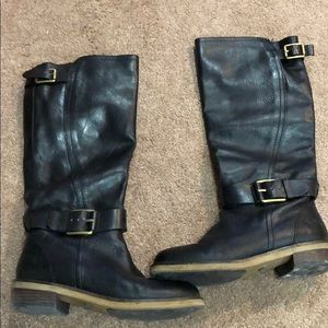 Black knee high lucky brand boots in size 7